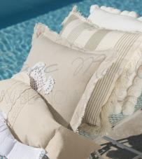 "Cuscino righe sfrangiato ""Crochet Sealife Collection"" Blanc Mariclò."