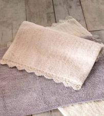 """Tappeto bordo crochet rosa cipria """"Crochet Collection"""" Blanc Mariclò"""