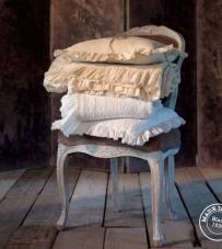 "Copriletto ecrù ""Stone Washed"" Blanc Mariclò"