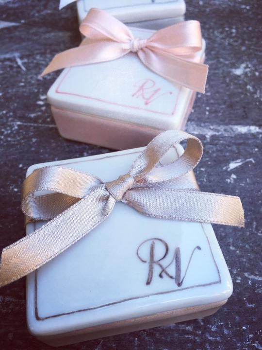 Scatolina portagioie in ceramica personalizzata