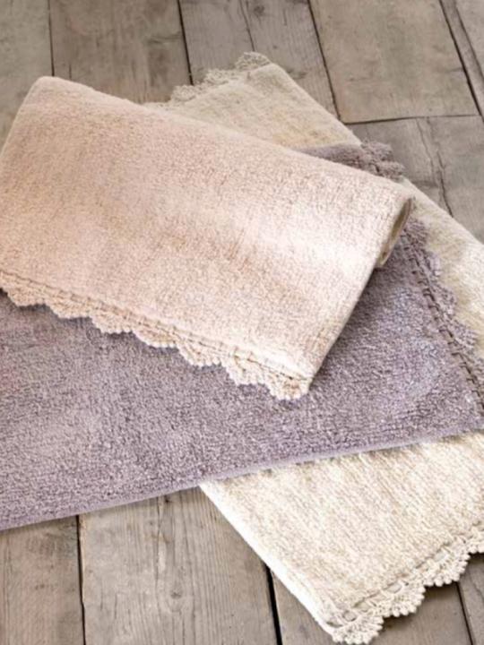 Tappeto bordo crochet panna